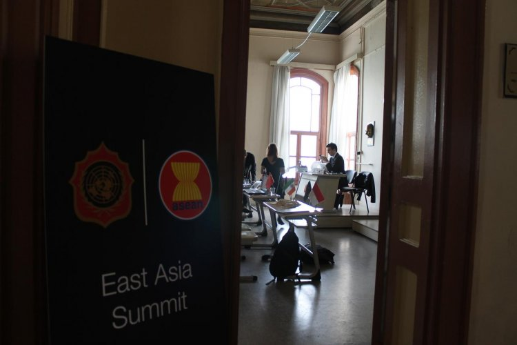 East-Asia-Summit--Kabatas-Model-United-Nations-in-2016