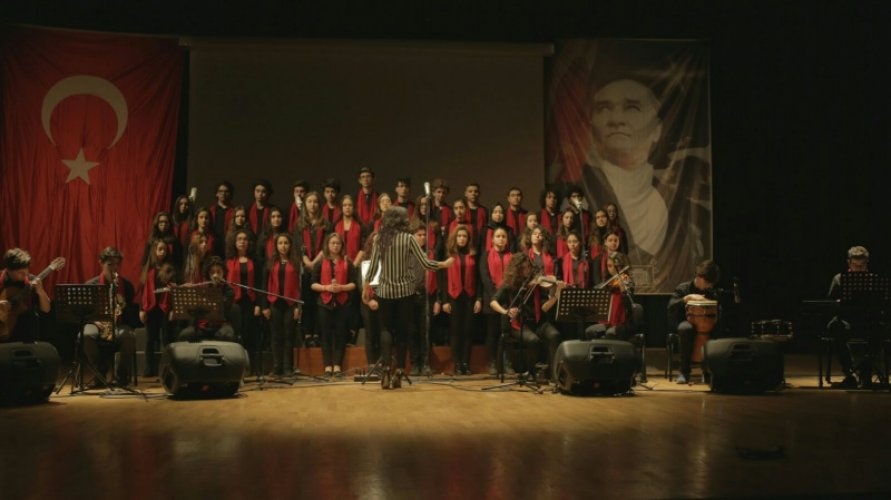 Commemoration-of-the-Martyrs-of-Turkish-Nation-by-Kabatas-High-School---March-18th-Martyrs'-Day