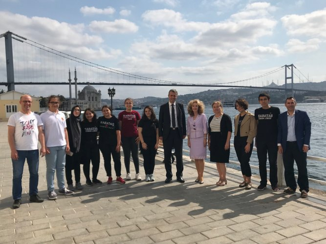 Slovakian-Ambassador-to-Turkey--Consul-General-in-Istanbul-pay-a-visit-to-our-school